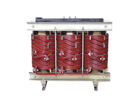 Low voltage and high current transformer